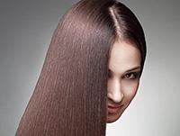 Keratynowe odżywianie i prostowanie włosów
